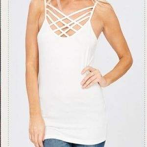 Tops - White size L cross cross tank